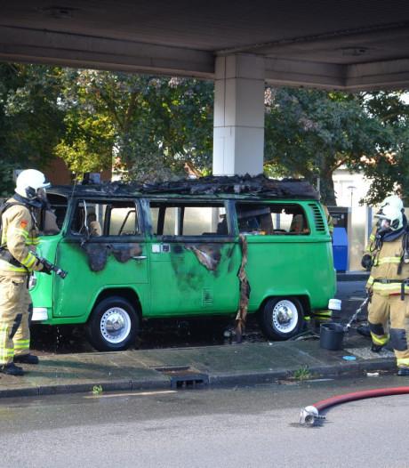Gemist? Gasflessen vullen met lpg-installatie eindigt in brand bij tankstation
