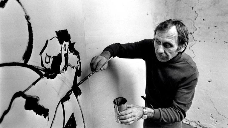 Jan Sierhuis maakte veel schilderijen met afgehakte hoofden. 'Het heeft met oorlog te maken' Beeld Nico Koster
