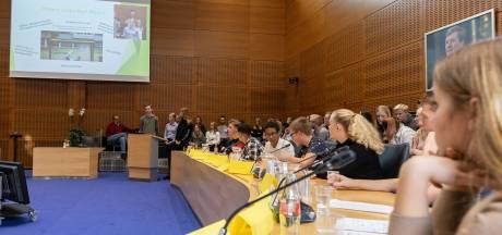 Jongeren kiezen voor ruilmarkt in Meppel