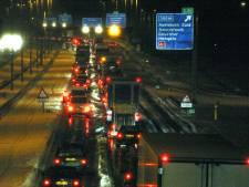 Vertraging op A50 van Zwolle naar Apeldoorn na ongeluk met drie auto's voorbij