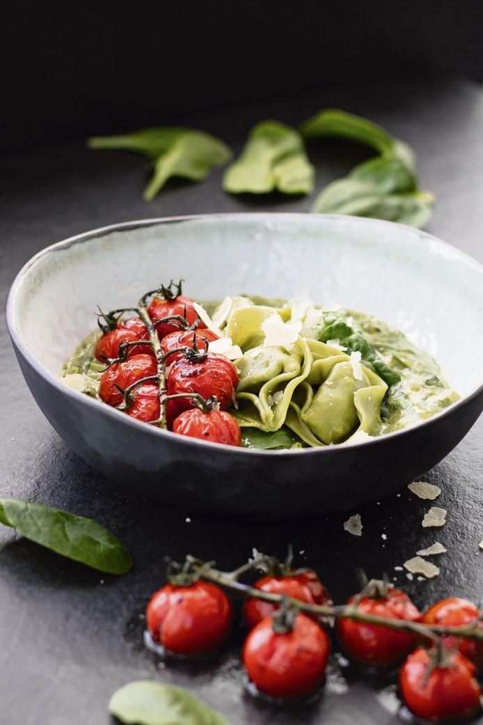 Tortelloni met spinazie-ricottasaus