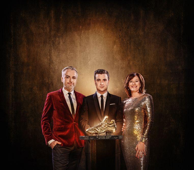 Maarten Breckx, Niels Destadsbader en Birgit Van Mol presenteren 'De Gouden Schoen'.