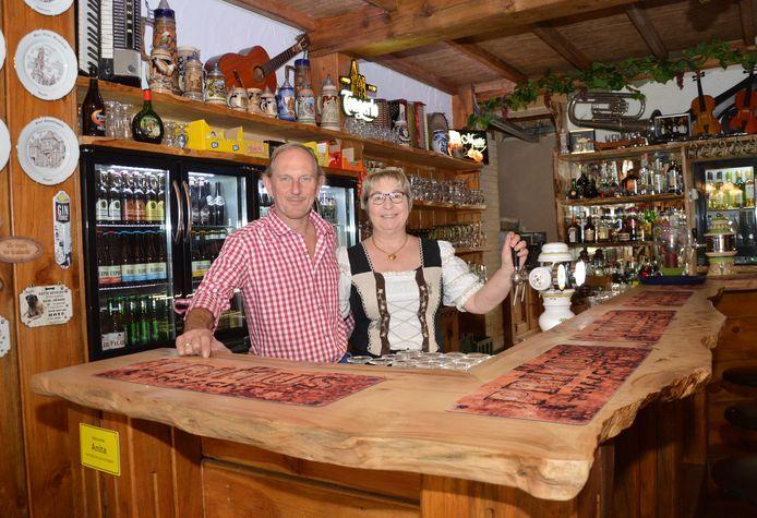 'Kaffee De Wettel' is voortaan een typisch Oostenrijkse bierstube.