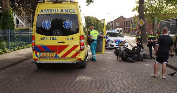 Motorrijder gewond bij botsing met auto in Vlijmen.