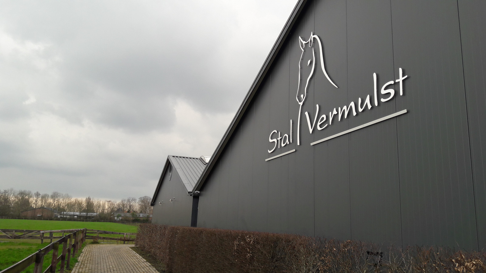 Stal Vermulst in Schijndel wil verhuizen om plaats te maken voor 250 tot 300 nieuwe woningen.