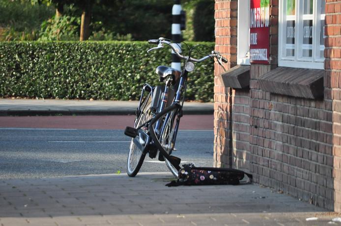 De fiets is flink beschadigd geraakt.