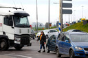 Provincie en Qbuzz realiseerden zich ook niet dat reizigers bij het nieuwe overstappunt aan de A27 in Meerkerk op een gevaarlijke manier over moeten steken.