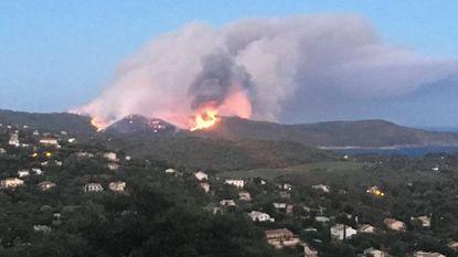 Hevige brand bedreigt huizen nabij Saint-Tropez