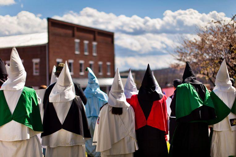 Ku Klux Klan-bijeenkomst in de staat Virginia. David Duke,oud-leider van de KKK, was de oprichter van EURO. Beeld epa