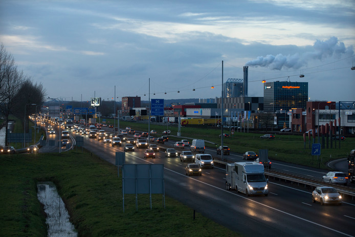 Bijna elke dag staat het verkeer stil op de A12