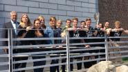 Voetbalmatch tussen GO! Technisch Atheneum en gevangenis van Ieper is overdonderend succes