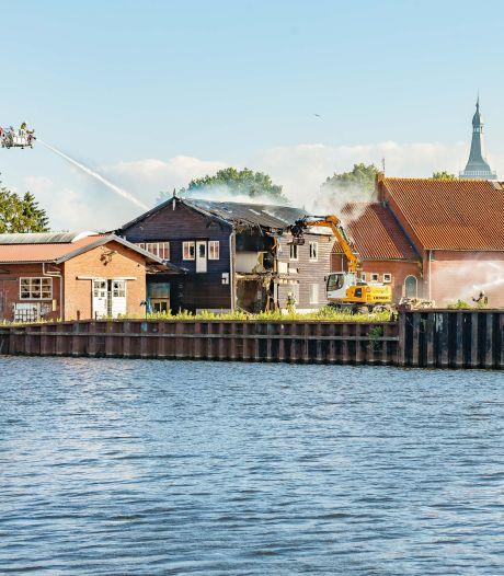 Hasselt treurt niet na uitbranden gebouw voormalig scheepswerf: 'Sloop moest toch een keer gebeuren'
