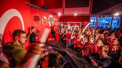 Precies 16.134 euro ingezameld: Qmusic komt SIGO bedanken