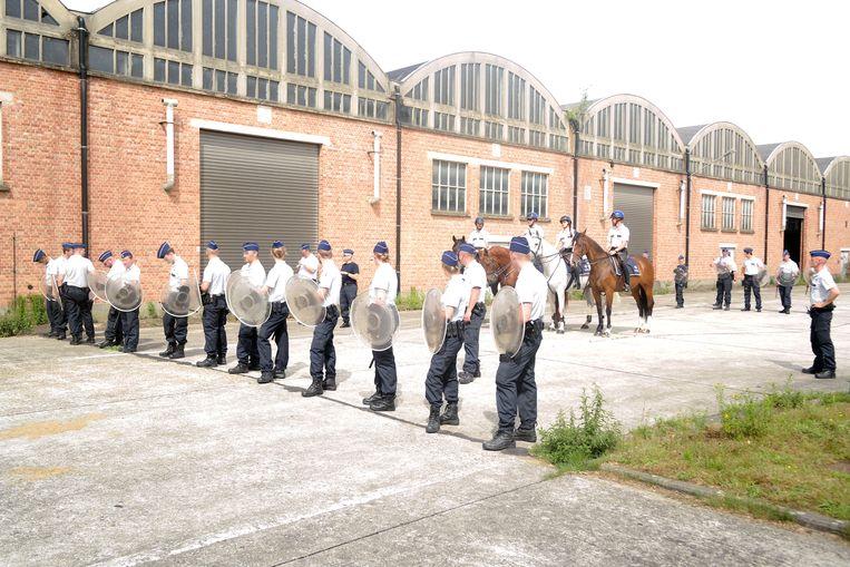 Tactische oefening met infanterie en cavalerie.