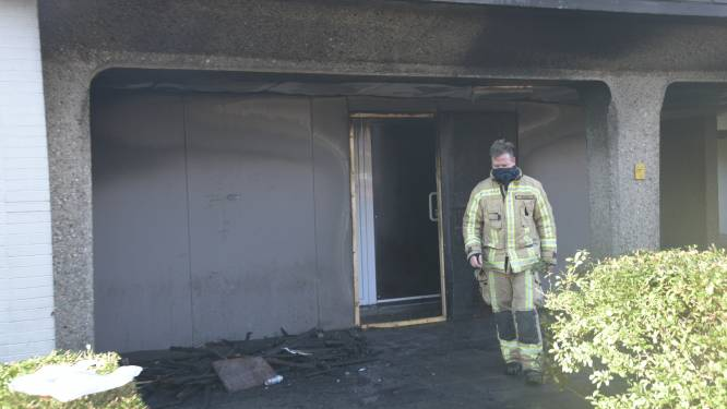 """Zetel aan kraakpand vat vuur: """"Waarschijnlijk in brand gestoken"""""""