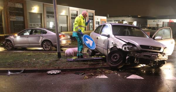 Vijfde ongeluk binnen korte tijd: twee autos op elkaar gebotst in Oss.