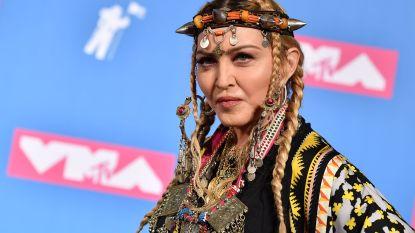 """VIDEO. Madonna heeft het vooral over zichzelf tijdens """"eerbetoon"""" aan Aretha Franklin"""