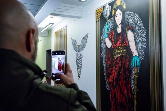 Ook een muurschildering en twee monumentale doeken van Tom Herck prijken nu in het ziekenhuis.