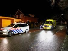Krantenbezorger geschept door auto in Vriezenveen