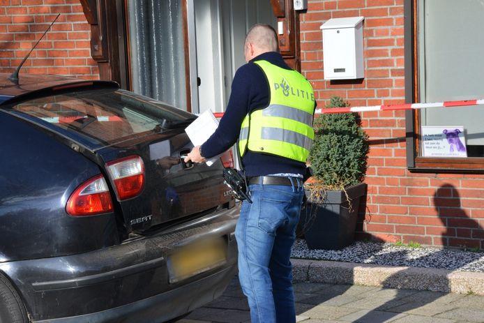 De politie heeft bij een inval in de Emmastraat in Sint Willebrord woensdagmiddag een xtc-lab ontdekt.