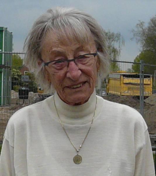 Bewoonster Truus Bakker van de De Ruijterstraat herinnert zich dat er vier bunkers waren in Kruiskamp.
