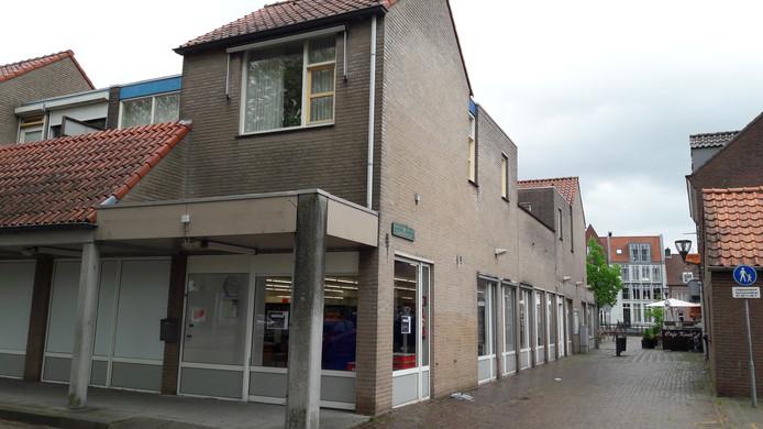 Buitenzijde bibliotheek Hulst aan het 's-Gravenhofplein, nog zonder logo.