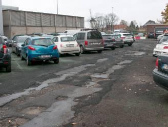 """Heraanleg parking aan sporthal De Witte Molen van start: """"Maar geen plaats meer voor langparkeerders"""""""