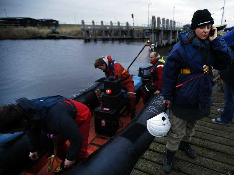 ractieleider Marianne Thieme (R) van de Partij voor de Dieren na een vergeefse poging om naar de gestrande bultrug Johannes bij Texel te varen. Beeld anp