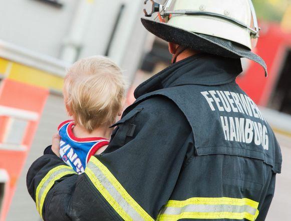 Bij de krachtige explosie van dinsdag geraakten verschillende mensen gewond. De brandweer probeerde iedereen in de buurt naar veiligere oorden te brengen.