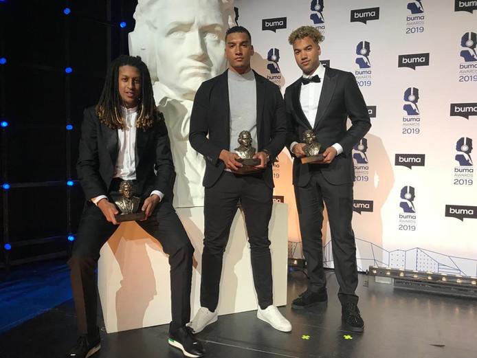 Afro Bros met hun Buma Award Internationaal.