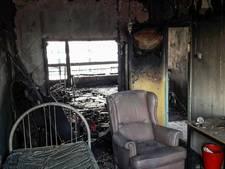 Appartement brandt volledig uit in Arnhem, acht flats tijdelijk ontruimd