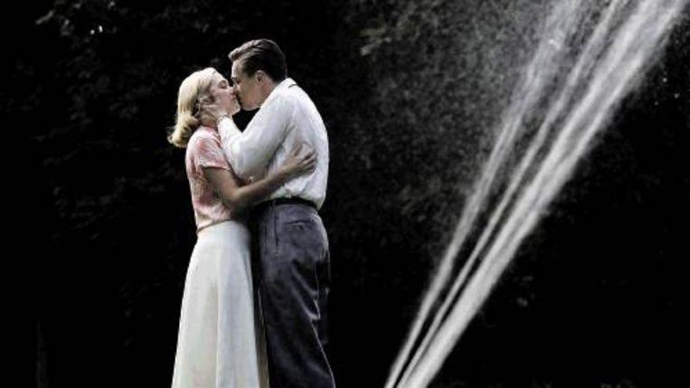 Kate Winslet en Leonardo DiCaprio in ¿Revolutionary Road¿, naar het gelijknamige boek van Richard Yates. (Trouw) Beeld