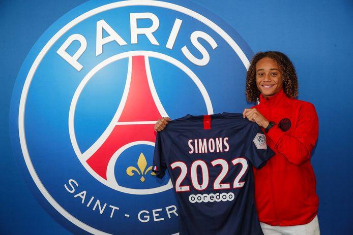 Xavi Simons met het shirt van Paris Saint-Germain.
