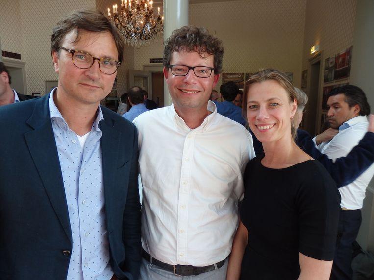 Olaf Croon van de Bond van Adverteerders, Rogier Mulder van #VERDER! en Irma van Os van Vereniging van Communicatie Adviesbureaus (vlnr). Beeld -