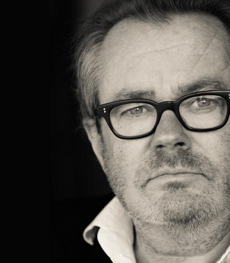 Theateractivist George van Houts ziet complotten