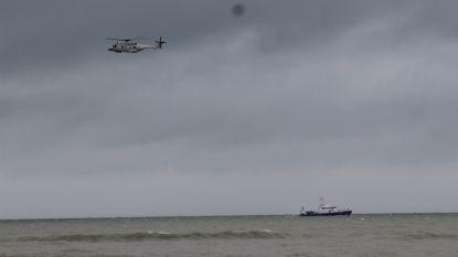 Grote zoekactie voor kust van De Panne naar vermeende kitesurfer in nood leidt enkel tot vondst van... zeeboei