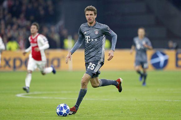 Thomas Muler tijdens de wedstrijd Ajax-Bayern Munchen.