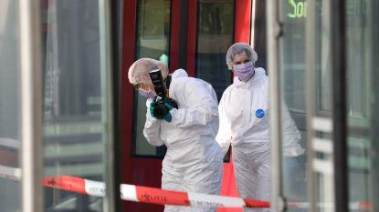 Man doodgestoken bij metrostation in Rotterdam na ruzie over wie eerst mocht instappen