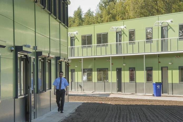 Het asielzoekerscentrum in Harderwijk.