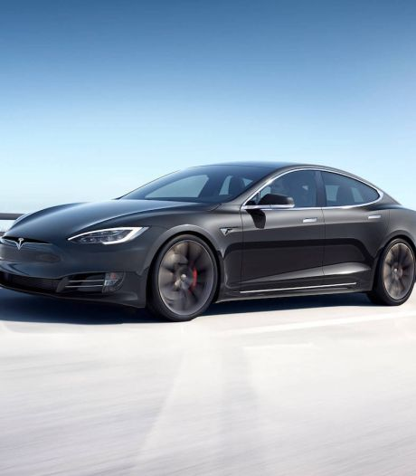 Zo snel en goedkoop is de nieuwe Tesla Model S Plaid