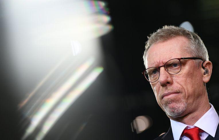 Peter Stöger zag zich geconfronteerd met een ultimatum van FC Köln: zaterdag moet hij punten halen op Schalke 04.