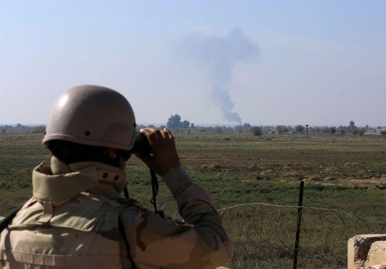 Er werden raketten afgevuurd vanop Al-Tanf, de militaire basis van de coalitie aan de grens met Irak, zegt een bron die dichtbij de regeringstroepen staat aan het Duitse nieuwsagentschap dpa.