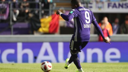 LIVE. Anderlecht heeft vroege voorsprong beet na worstelgreep Cercle-verdediger, Bakkali laat tweede goal liggen (1-0)