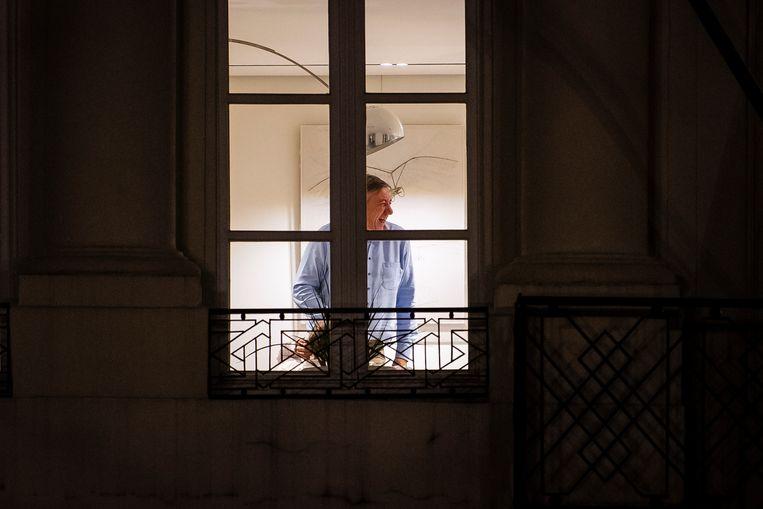 """""""De sfeer is goed"""", klonk het gisteravond rond 23 uur. Dat was ook te zien op deze foto's van Jan Jambon en Ben Weyts (onder)."""