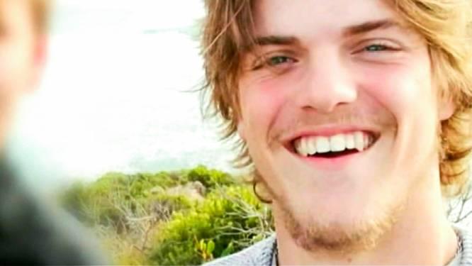 """Vrienden vermiste Théo: """"We kunnen niet geloven dat hij stomdronken was"""""""