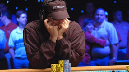 """Pokerster verklapt hoe je een leugenaar herkent: """"Let op de ogen"""""""