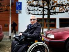 Invalide parkeerplekken voor ziekenhuis dreigen te verdwijnen: 'Zelfstandig erheen? Vergeet het maar'