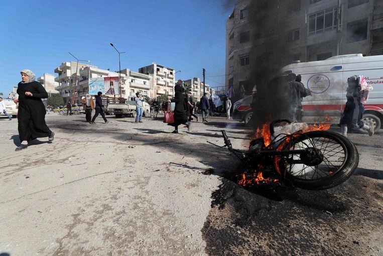 Zeker achttien burgers zijn vandaag in het noordwesten van Syrië gedood bij luchtaanvallen door het regime.