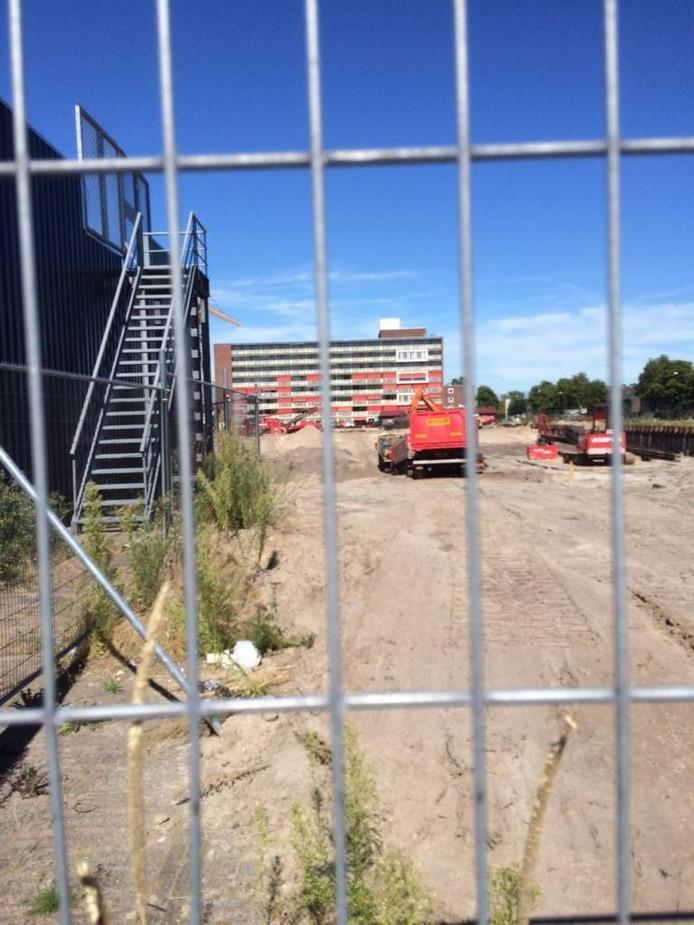 Achter de hekken van de bouwput van Anklaar wordt nog steeds gewerkt.