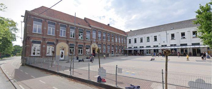 De vrije basisschool Sint Gorik in Haaltert, op de hoek van de Pluimstraat en de Bruulstraat.